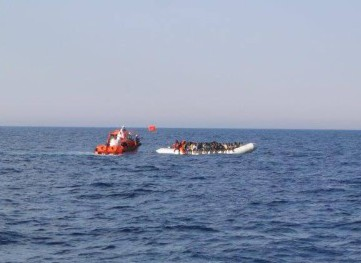 EMERGENCY: Rescuing migrants in the Mediterranean sea with MOAS